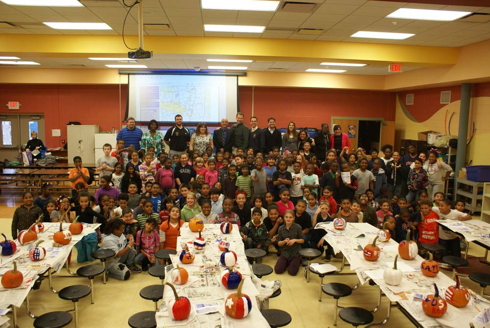 Assemblyman Santabarbara hosted a Patriotic Pumpkin Painting Party with 4th and 5th graders from King School in Schenectady on Halloween.
