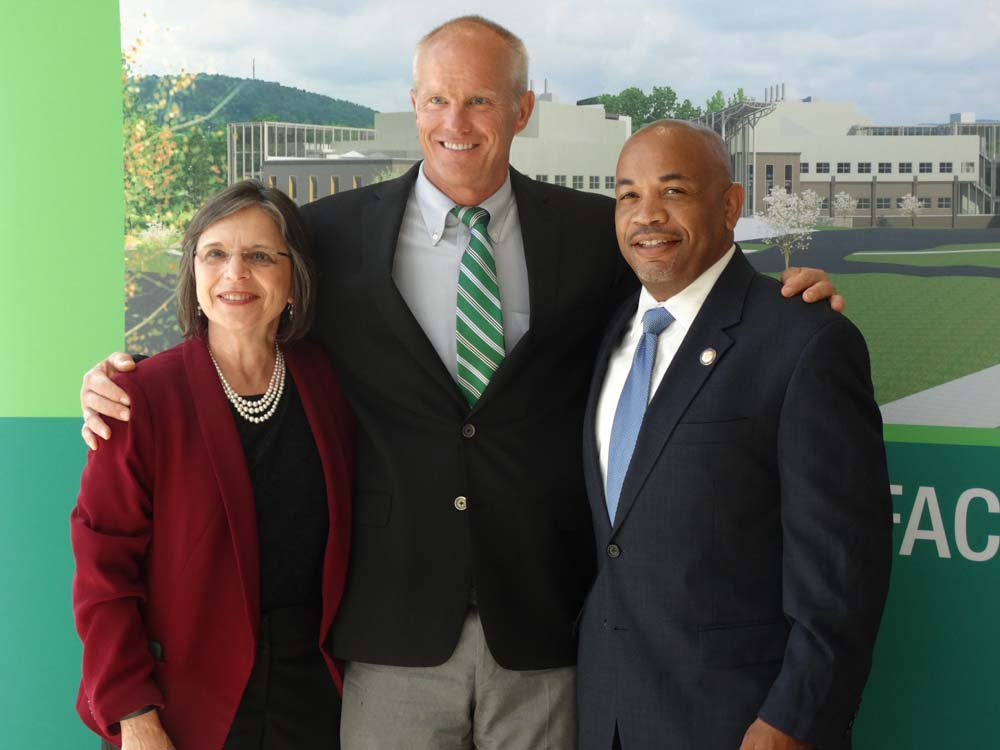 July 30, 2015 – Assembly Speaker Carl Heastie and Assemblywoman Lupardo visit Binghamton University with BU President Harvey Stenger.