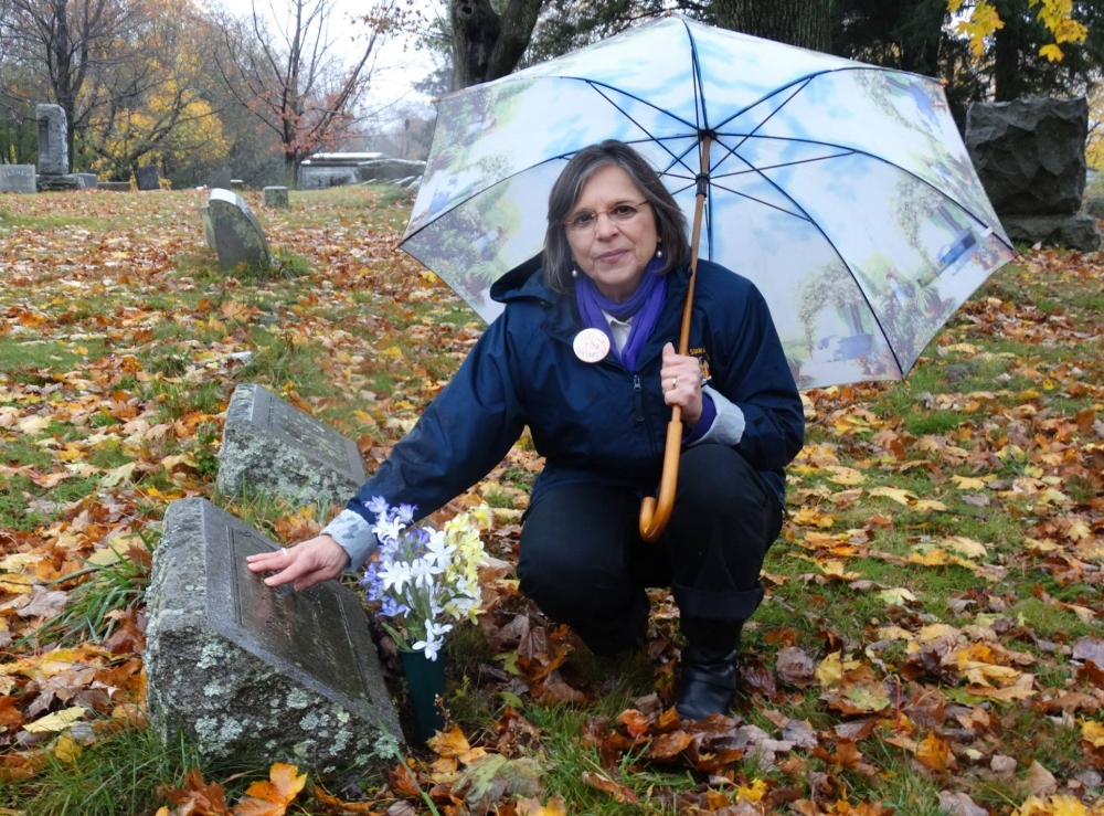 November 6, 2017 – Assemblywoman Lupardo visits the grave of a local suffragist on the 100th anniversary of New York State women winning the right to vote.